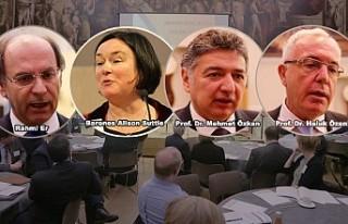 Türk ve İngiliz üniversitelerinin temsilcileri...