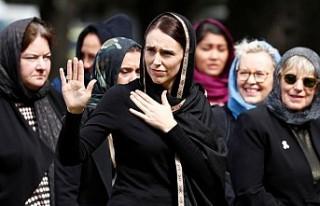 Yeni Zelanda Başbakanı Ardern Başını Neden Örttüğünü...