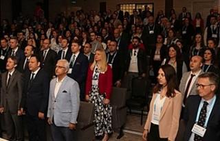 Cambridge profesörlerinden İstanbul'da Konferans