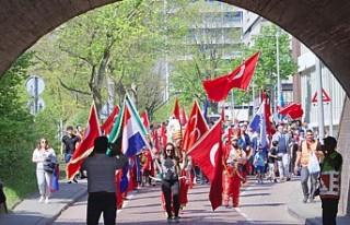 Hollanda'da Türk günü yürüyüşü