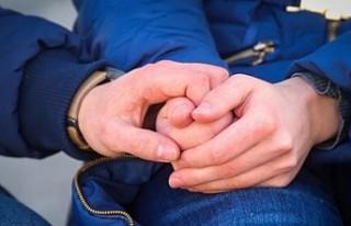 Hollanda hükümeti oturma izni için 'aşk testi'...