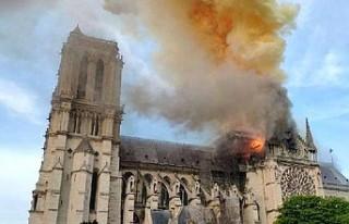 Macron: 'Notre-Dame Katedrali'ni yeniden...