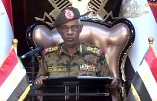 Sudan'da askeri geçiş konseyi lideri yemin...