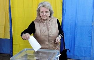 Ukrayna, devlet başkanını seçmek için oy veriyor