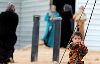 AB, Türkiye'deki Suriyeliler için 2,22 milyar...