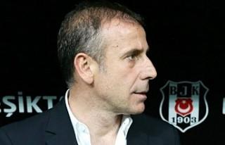 Abdullah Avcı 7 kişiyle birlikte Beşiktaş'a...