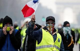 Sarı yeleklilerin eylemleri Fransa turizmini olumsuz...