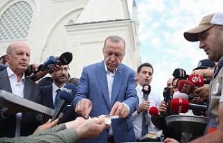 Erdoğan, bayram namazını Çamlıca Camisi'nde...