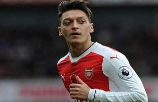 İngilizler, Mesut Özil'in neden Türkiye'ye...