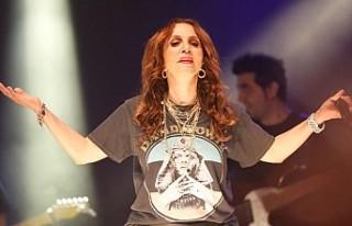Sertap Erener başkentte konser verdi