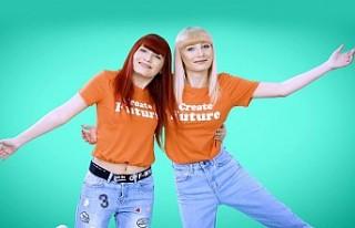 İkizler, Elif ve Esra'dan ilk single