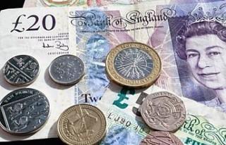 İngiliz Sterlini bir ayda yaklaşık yüzde 3,5 değer...