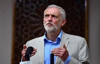 İngiltere'de İşçi Partisi lideri Corbyn yeni...