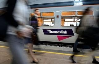 Ölen yolcu için demiryolu şirketine 1 milyon sterlin...