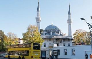 Almanya'da her iki günde bir camiye bombalı...