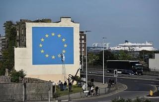 Banksy'nin Brexit duvar resmi bir gecede ortadan...
