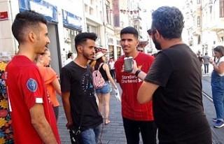 Liverpool ve Chelsea taraftarları Taksim'de...