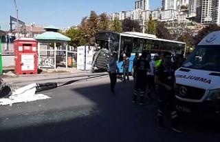 Ankara'da halk otobüsü yayalara çarptı: 3...