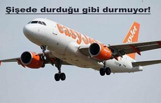 Baba-oğul kaçırdıkları uçağın peşinden koşarak...