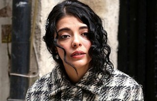 Güzel oyuncu Selin Şekerci'den üzücü haber