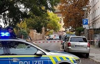 Almanya'da sinagog önünde silahlı saldırı!