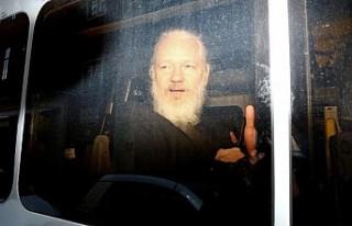 Assange'ın ABD'ye iade duruşmasını erteleme...