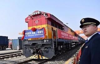 Çin'den Avrupa'ya gidecek ilk yük treni...