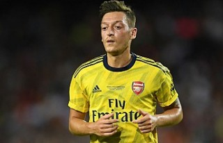 Emery, Mesut Özil'in neden kadro dışı kaldığını...