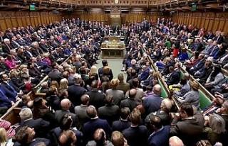 İngiltere Parlamentosu 37 yıl sonra Cumartesi günü...