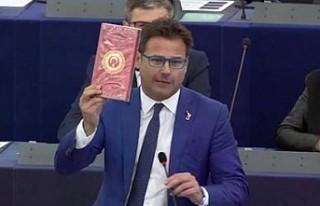 İtalyan vekilden, Türk parlamenterlere saygısızlık