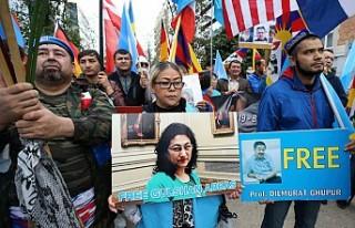 Uygur Türkleri Brüksel'de Çin'i protesto...