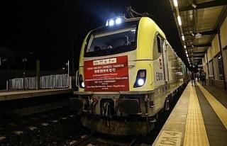 Çin'den Avrupa'ya giden ilk yük treni...