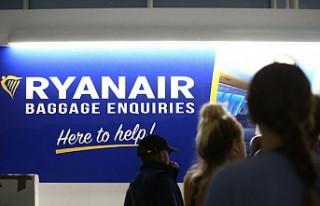 Uçakta el bagajına ek ücret alan Ryanair'e...