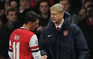Arsene Wenger'den Mesut Özil'e 'ifade...