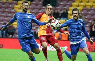 Galatasaray Evinde Tuzlaspor'a Mağlup