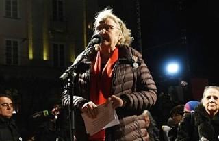 İsveçli gazeteci Doctare, Handke'ye tepki olarak...
