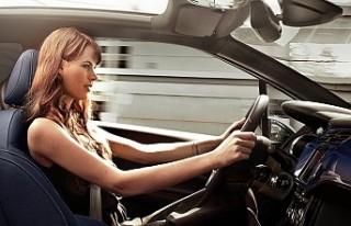 Otomobillerdeki yeni güvenlik sistemleri kaza riskini...