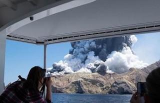 Yeni Zelanda'da yanardağ patlamasında ölü...