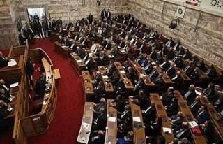 Yunan Parlamentosu'nda İslam'a hakaret...