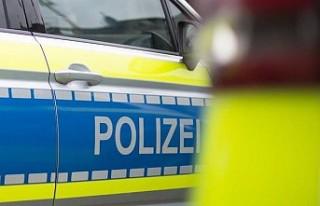 Almanya'da polise bıçakla saldırmaya çalıştığı...