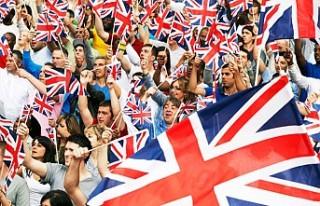 İngiltere Brexit sonrası döneme bayram havasında...