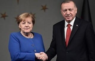 Merkel'den 'Allahaısmarladık, İstanbul'...