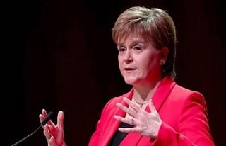 """İskoçya Başbakanı Nicola Sturgeon'dan """"bağımsızlık""""..."""