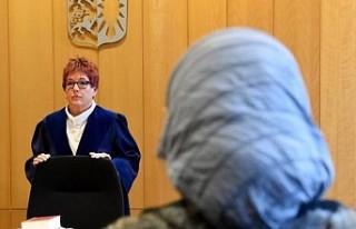 Müslüman kadın başörtüsü nedeniyle Danimarka...