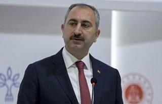 Adalet Bakanı Gül'den cezaevlerinde koronavirüs...