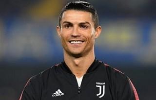 Cristiano Ronaldo 1 milyar dolar kazanan ilk futbolcu...
