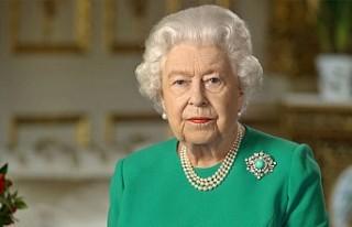 Kraliçe Elizabeth'ten Koronavirüs Salgınına...