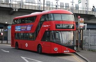 Londra'da beş otobüs şoförü koronavirüsten...