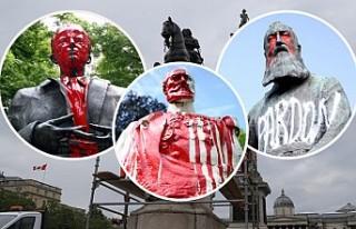 Adalet İsteyenler ABD ve Avrupa'nın Sembollerini...