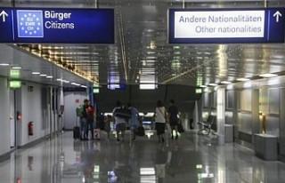 AB seyahat kısıtlaması getirdiği ülkelere yenilerini...
